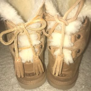 Girls Size 3 Ugg Boots...barely worn!